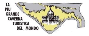 107 Trieste - La natura ci ha messo 10 milioni di anni per creare questo capolavoro ma da solo poco più di un secolo gli uomini hanno avuto la possibilità di visitarla. Scoperta per caso nel 1890, nel 1908 entrarono i primi visitatori turistici. Da allora non è cambiato molto: si entra da una porta naturale e si comincia a scendere fino alla Grande Galleria, posta a circa 80 metri di profondità. La galleria è formata da un unico, spettacolare vano, di 98,50 metri di altezza, 167,60 di lunghezzae 76,30 di larghezza. Nella sala colorata di infinite sfumature sono presenti stalagmiti, stalattiti e colate di carbonato di calcio depositato dall'acqua piovana. La stalagmite più imponente è la Colonna Ruggero, alta 12 metri. Al centro della caverna c'è la stazione di ricerca geofisica dell'Università degli Studi di Trieste per lo studio dei movimenti della crosta terrestre. Si risale attraverso il Sentiero Carlo Finocchiaro per raggiungere un Belvedere a 95 metri d'altezza da cui si gode una vista straordinaria. Consigliate felpe e scarpe comodissime.