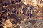 114 - Interno grotta-gigantee visitatori-