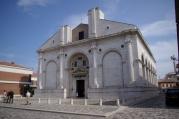 4 - Rimini - Tempio-Malatestiano- Il Tempio Malatestiano, usualmente indicato dai cittadini come il Duomo e dal 1809 riconsacrato come cattedrale di Santa Colomba, è la chiesa maggiore di Rimini.