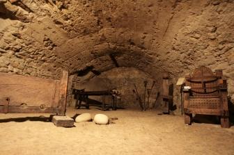 49 -San-Leo. Rocca o fortezza - interno, cella di tortura