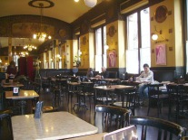 36 - Trieste. Caffè storico per eccellenza i cento anni del Caffè San Marco