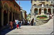 42 --San-Marino- una via del borgo