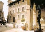 49 - San Marino -Museo di Stato. E' stato inaugurato nel 1899 nel Palazzo Valloni, sede della Biblioteca Governativa. Reso autonomo nel 1982, è stato riorganizzato nell'antico Palazzo Pergami Belluzzi, opportunamente ristrutturato e riaperto al pubblico il 18 marzo 2001. Possiede materiali storici e artistici (quasi 5000 pezzi) alcuni provenienti da San Marino e pertinenti alla sua storia, e altri di diversa origine, dovuti ad acquisti, oltre che ai donativi fatti allo Stato dal 1865 ad oggi.