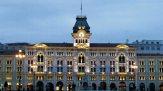 7-Trieste. Palazzo Comunale di sera