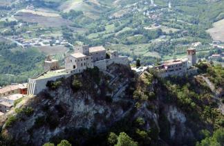 6 - Verucchio -Val Marecchia - Castello suggestiva vista aerea