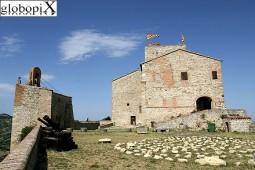 9 - Verucchio - Rocca Malatestiana - Dalle mura che circondano il borgo di Verucchio è possibile ammirare splendidi panorami che spaziano dal mare fino alle colline di San Marino e San Leo e alla vallata del fiume Marecchia