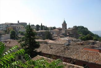 14 - Da vedere, oltre alla Rocca, la Collegiata dei Santi Martino e Francesco D'Assisi e il Museo Civico Archeologico.