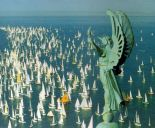 59- Trieste. La statua della vittoria alata sulla cima del faro domina la mitica regata -Barcolana-