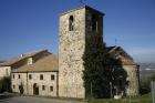 25 - Verucchio- La pieve romanica di S. Martino si trova ai piedi del centro storico di Verucchio e si raggiunge scendendo verso la frazione di Villa Verucchio. Esempio in perfetto stato di architettura romano gotica, è risalente al 990 d.C.