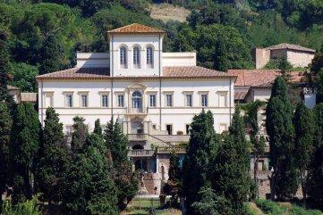 119 - Pesaro- Villa Caprile. AI piano nobile all'interno della villa, Cesare Begni (1579-1659) affresca con soggetti mitologici otto stanze, restaurate nel 1797 da Ubaldo Geminiani, allievo di Giannandrea Lazzarini