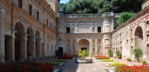 145 - Pesaro. villa-Imperiale cortile interno