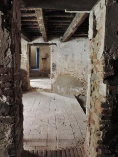 38 - Palazzo Corbucci, interno piano terra