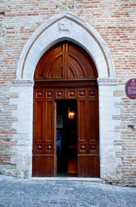 29 - Montefiore Conca - La chiesa di San Paolo entrata