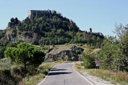19 - Il castello di Montebello il quale nasconde un segreto custodito da oltre ...600 anniLa leggenda di Azzurrina