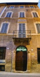 36 - Pesaro - casa natale di Gioacchino Rossini. iLa casa, adibita a museo, viene dichiarata monumento nazionale nel 1904