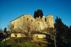 29 - Montebello - Rocca dei Guidi di Bagno,. I conti Guidi di Bagno di Romagna sono tutt'ora proprietari del castello e al suo interno si sono riservati alcune stanze. Dal cortile interno del castello si possono ammirare le antiche pietre di una torre di avvistamento romana.