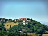 49 - Le dirimpettaie (Gemmano vista da Montefiore Conca