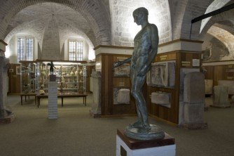 63 - Pesaro. Museo archeologico- Oliveriano, interno