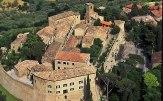 6 -Montegridolfo. Palazzo Viviani Castello di Montegridolfo dall'alto