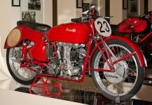 80 - Pesaro-interno al Museo - Morbidelli- Benelli250B