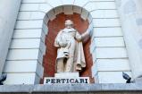 19 - Pesaro. Piazza del Popolo, particolare del palazzo