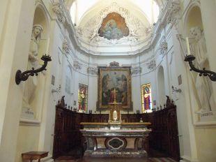 116 -Fano. L' Interno della Chiesa. Sul fondo la tela della Trasfigurazione e due delle quattro statue presenti