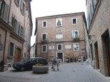 75 - Urbino. Via Vittorio Veneto