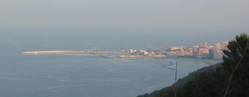 14- Il porto di Pesaro-visto-dal-parco di San-Bartolo