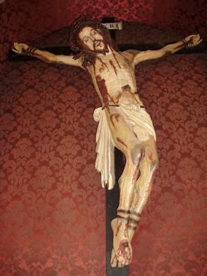 38 - Gradara- Crocifisso all'interno della Chiesa San Giovanni Battista.