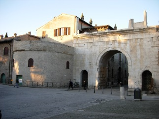 23 - Fano. Torrione Arco D'Augusto