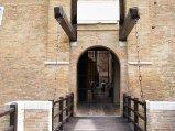 49 - Gradara - Particolare ponte levatoio e porta d'ingresso alla Rocca
