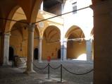54 - Gradara - Cortile interno alla Rocca