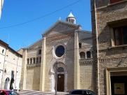 34 - Fano. Cattedrale o Duomo. La cattedrale di Santa Maria Assunta è il principale luogo di culto di Fano. Quest'antichissimo santuario ha un'importanza molto grande per gli abitanti di Fano, e nel 1984, e la Madonna fu proclamata da Giovanni Paolo II, Protettrice di Fano, della sua Diocesi e dei Marinai.