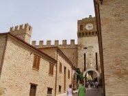 5 - Gradara - La porta dell'Orologio e dell'ingresso della città.
