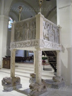 44 - Cattedrale, pulpito