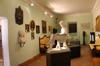 36 - Urbino. Casa natale di Raffaello, interno