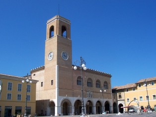 49 - Fano. Palazzo Ragione in piazza xx settembre