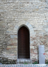 73 - Fano. Torre di S. Elena, Via Nolfi, particolare