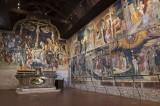42 - Urbino - All'interno dell'Oratorio di San Giovanni Battista a Urbino è possibile ammirare un imponente ciclo d'affreschi - capolavoro dei fratelli Lorenzo e Jacopo Salimbeni - rappresentante la Crocifissione di Cristo, le Storie della vita di S. Giovanni Battista, databile 1415/1416.