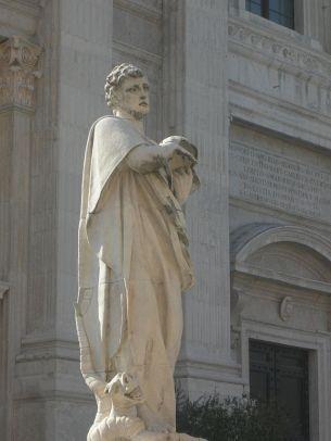 50 -Urbino. Statua di San Crescentino davanti al Duomo