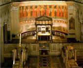 11,2 - Interno della chiesa. Altare maggiore