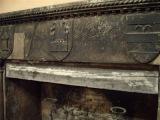 60 - Interno della rocca. Questo è un particolare della trave superiore del camino del Corpo di Guardia, presso l'ingresso.
