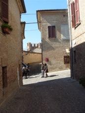 12 -Gradara - Immagine del borgo.