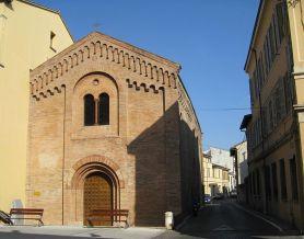 157- Forlì. La chiesa di Sant'Antonio Vecchio è una piccola chiesa romanica situata in Corso Armando Diaz al centro di Borgo Ravaldino .