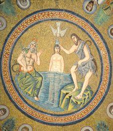 68 - Ravenna, Battistero degli Ariani. Mosaico. Particolare del battesimo di Cristo.