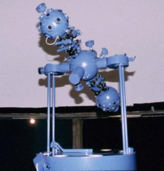 87 - Ravenna. Il Planetario. Il cuore del planetario è il macchinario ZKP 2 della Zeiss, che proietta l'immagine artificiale della volta celeste visibile ad occhio nudo.