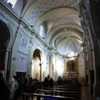 204 - Forlì, Pieve-dei-SS. Pietro-e-Paolo. All'interno, nell'abside si trovano sei teste di marmo che raffigurano i santi apostoli e sono state ricollocate nella posizione originaria di un edificio esistente in precedenza.