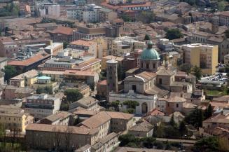 88 - Ravenna. Panorama con in evidenza il Duomo