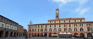 14 -Forlì. Piazza Aurelio Saffi - segue veduta dei Palazzi con Torre dell' Orologio -