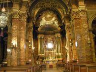 84 - Forlì. Duomo. Nella navata sinistra troviamo il Crocifisso romanico, la grandiosa cappella della Madonna del Fuoco, la cappella di Sant'Anna che custodisce un San Rocco di Marco Palmezzano.